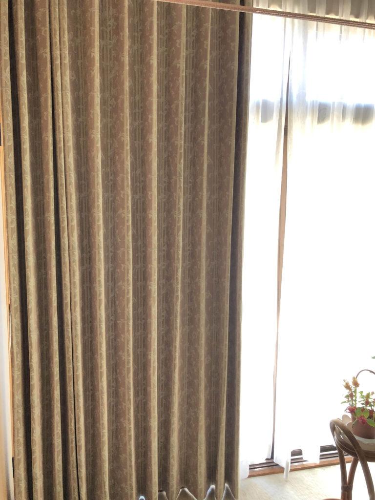 カーテンカーテンの 「形状記憶加工」